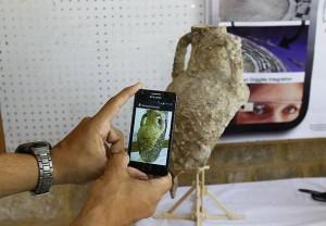 Voici la partie « augmentée » d'un vase : il s'agit de la reconstruction en 3D grâce à un logiciel spécial.©OLJ