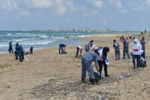 Nettoyage plage de Tyr©OLJ